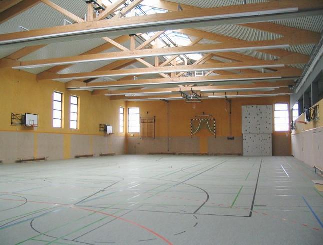 Halle-Troisdorf-innen (1)
