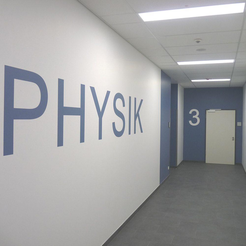 Gym_Hennef__NW-Trakt_Flur_Physik_01